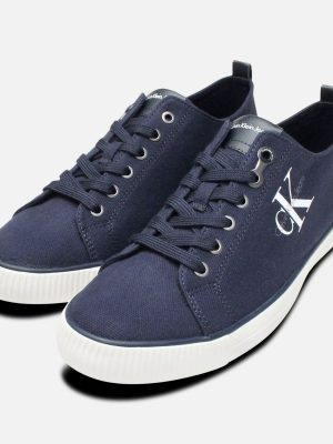 arnold-navy-blue-canvas-calvin